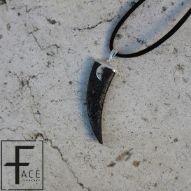Pendente corno in pietra lavica con applicazione