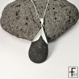 LCN18: Pendente goccia in argento 925 e pietra lavica