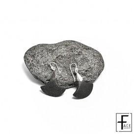LOR20: Orecchino scudo in pietra lavica e argento 925