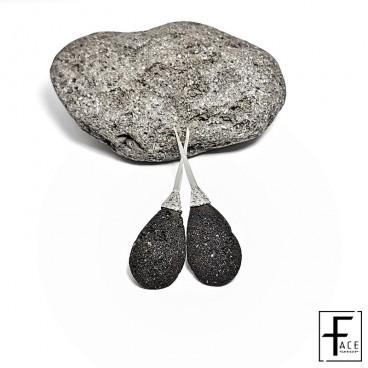 Orecchino goccia in pietra lavica e argento 925