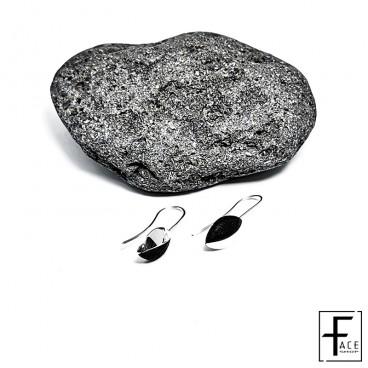Orecchino chicco caffe in pietra lavica e argento 925